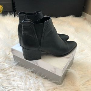 Dolce Vita point black booties size 9.5